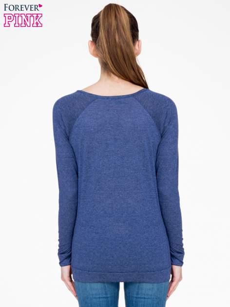 Niebieska melanżowa bawełniana bluzka z rękawami typu reglan                                  zdj.                                  4