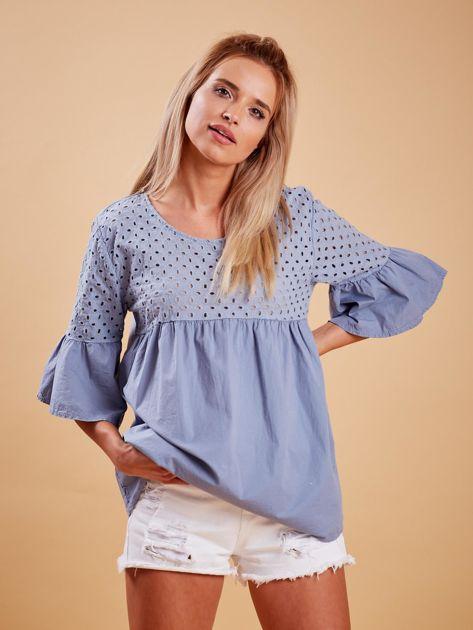 Niebieska odcinana bluzka z szerokimi rękawami                              zdj.                              1