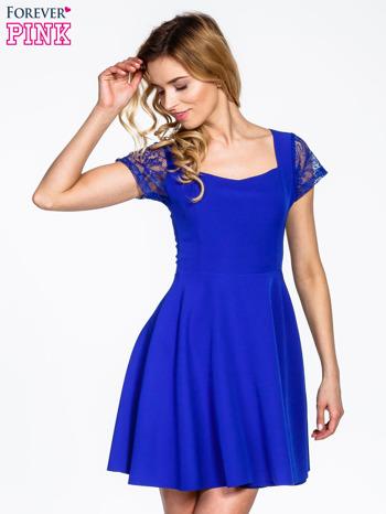Niebieska rozkloszowana sukienka z kwadratowym dekoltem                                  zdj.                                  1
