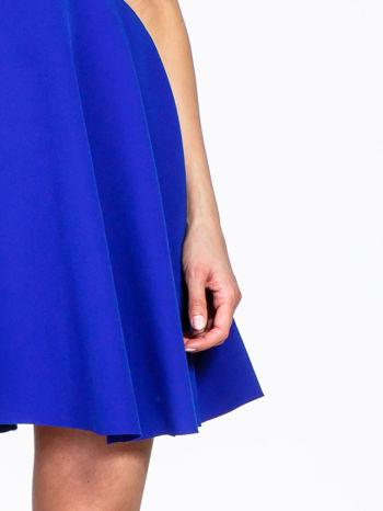 Niebieska rozkloszowana sukienka z kwadratowym dekoltem                                  zdj.                                  7