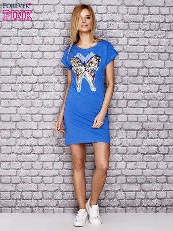 Niebieska sukienka z cekinowym motylem                                  zdj.                                  4