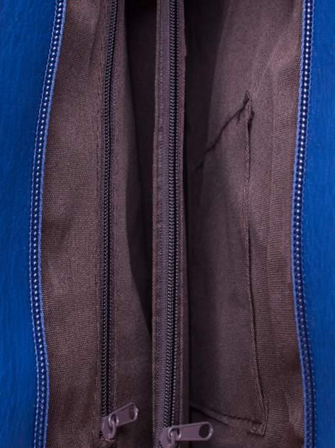 Niebieska torba na ramię ze złotym emblematem                                  zdj.                                  5