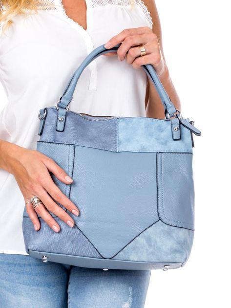 Niebieska torba z łączonych materiałów                              zdj.                              4