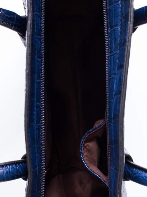 Niebieska trapezowa torba miejska z efektem skóry krokodyla                                  zdj.                                  4