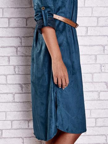 Niebieska zamszowa sukienka z rozcięciami po bokach                                  zdj.                                  7