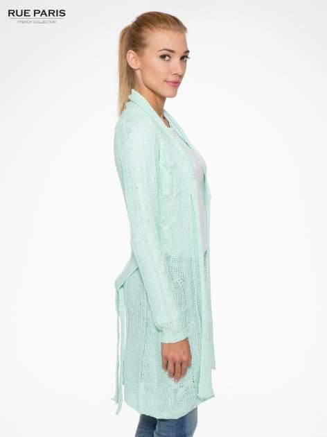 Niebieski ażurowy długi sweter typu kardigan z paskiem                                  zdj.                                  3