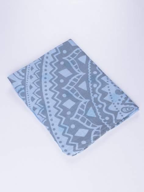 Niebieski szal w aztecki wzór i grochy                                  zdj.                                  2