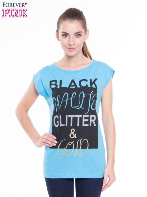Niebieski t-shirt z nadrukiem tekstowym z efektem glitter                              zdj.                              1