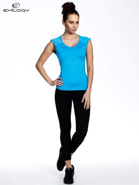 Niebieski top sportowy z szerokimi ramiączkami                                  zdj.                                  2
