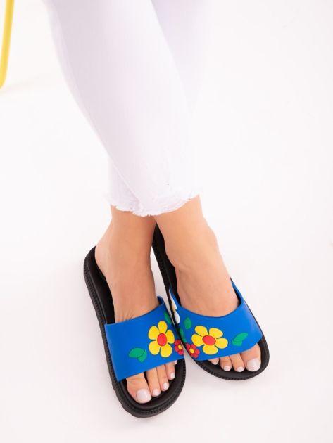 Niebieskie klapki na grubej podeszwie w żółte kwiaty                              zdj.                              3