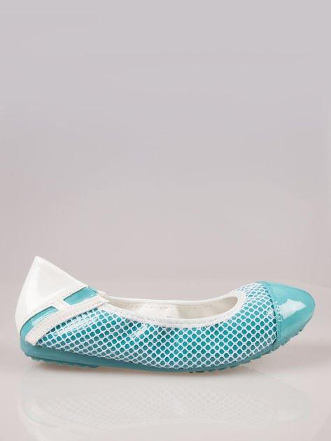 Niebieskie siateczkowe baleriny Whippie na gumkę