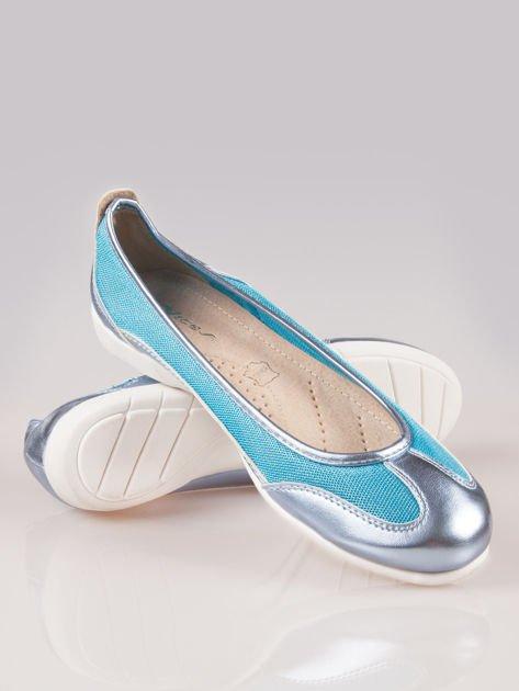 Niebieskie siateczkowe baleriny w sportowym stylu