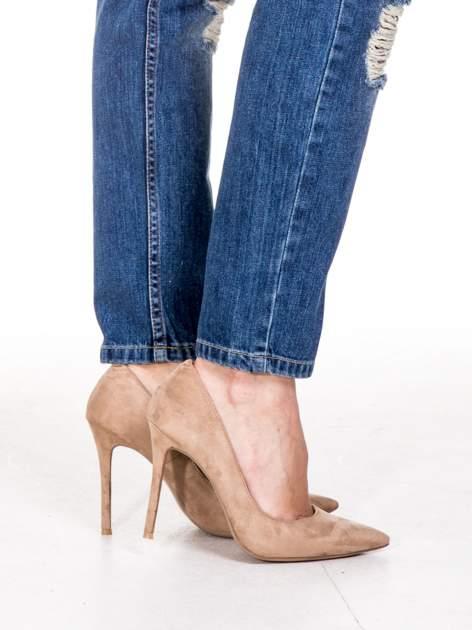 Niebieskie spodnie boyfriend jeans z rozdarciami                                  zdj.                                  5