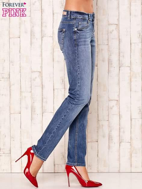 Niebieskie spodnie jeansowe z prostymi nogawkami                                  zdj.                                  2