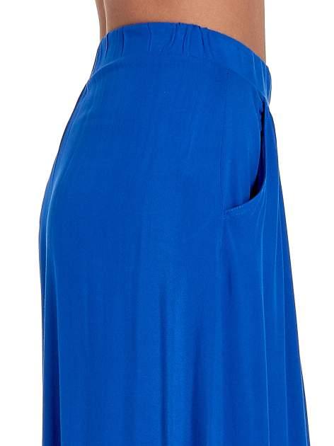 Niebieskie zwiewne spodnie typu culottes                                  zdj.                                  6