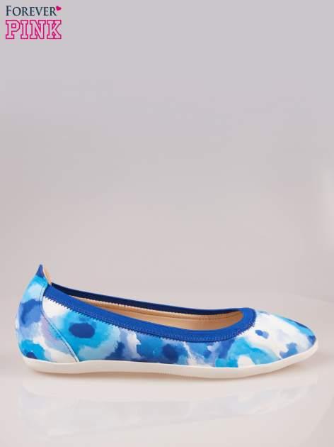 Niebiesko-białe kwiatowe baleriny na gumkę