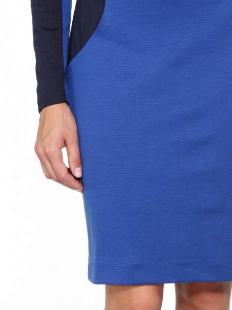 Niebiesko-granatowa sukienka modułowa z zamkiem z tyłu                                  zdj.                                  6