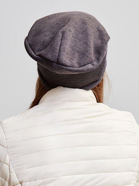 Ocieplana bawełniana czapka beanie z naszywką ciemnobrązowa                                  zdj.                                  4