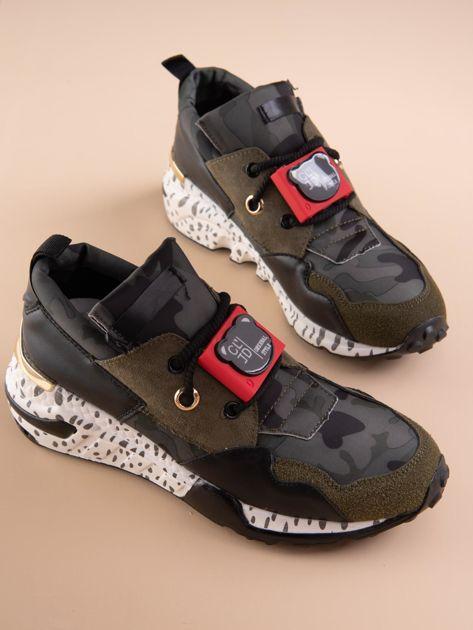 Oliwkowe buty sportowe na podwyższeniu z kolorową podeszwą i motywem moro                              zdj.                              5