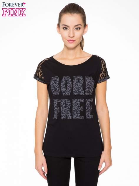 Panterkowy t-shirt z nadrukiem BORN FREE i koronkowymi rękawami                                  zdj.                                  1