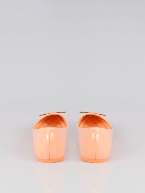 Pastelowopomarańczowe baleriny Dazzle Love z sercem                                  zdj.                                  3