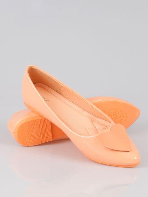 Pastelowopomarańczowe baleriny Dazzle Love z sercem                                  zdj.                                  4
