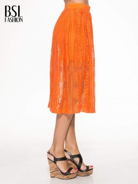 Pomarańczowa ażurowa spódnica midi                                  zdj.                                  3