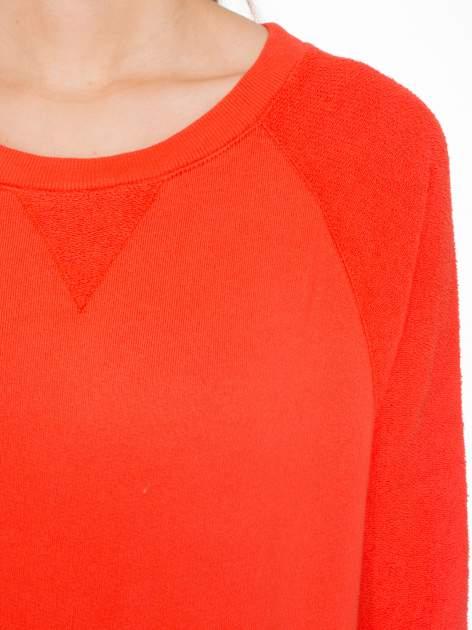 Pomarańczowa bluza oversize z łączonych materiałów                                  zdj.                                  5