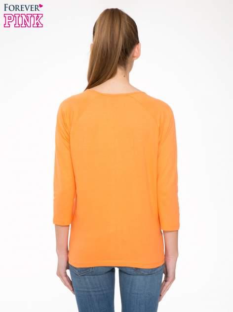 Pomarańczowa bluzka z marszczonym dekoltem i rękawkami 3/4                                  zdj.                                  4