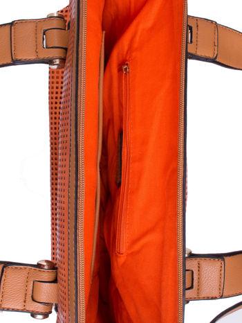 Pomarańczowa torba damska z ażurowym wykończeniem                                  zdj.                                  4