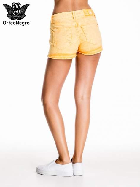 Pomarańczowe jeansowe szorty                                  zdj.                                  4
