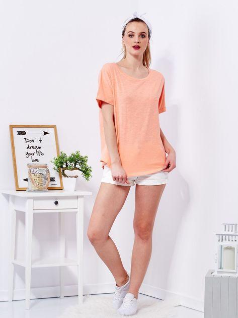 Pomarańczowy t-shirt basic z podwijanymi rękawami                              zdj.                              4