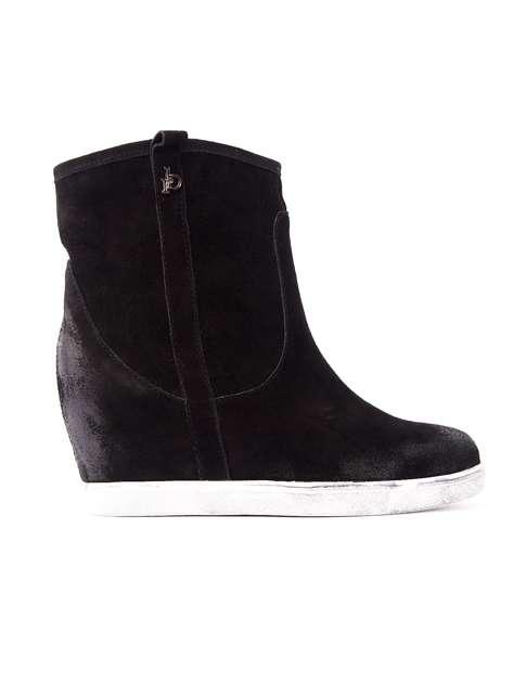 ROCCOBAROCCO Czarne cieniowane botki chamois leather na koturnie                                  zdj.                                  1
