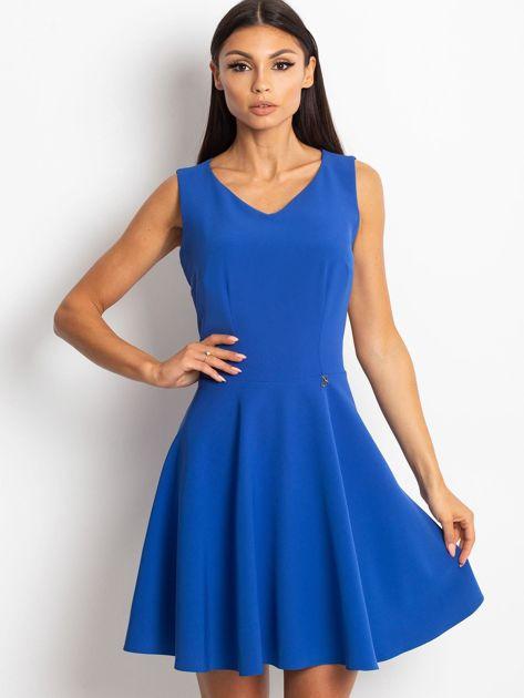 Rozkloszowana sukienka z koronką na plecach chabrowa                                  zdj.                                  4