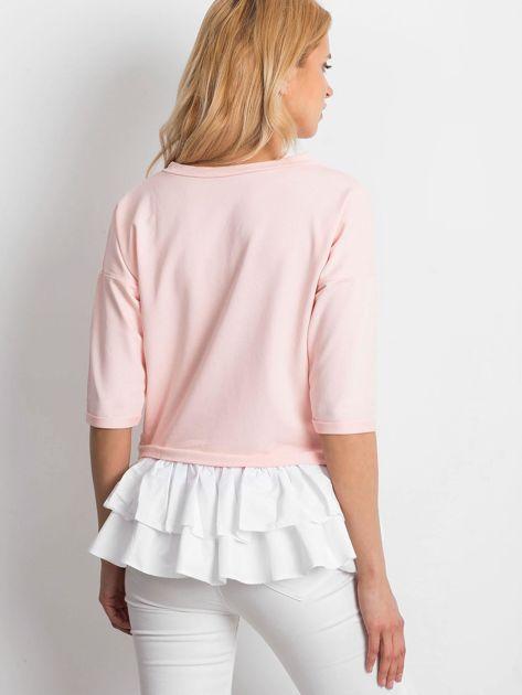 Różowa bluzka V-neck z falbaną                              zdj.                              2