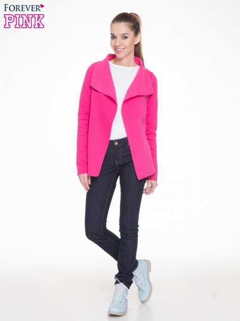 Różowa bluzonarzutka z klapami o kroju waterfall                                  zdj.                                  2