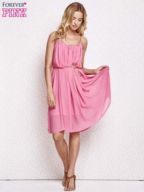 Różowa grecka sukienka ze złotym paskiem                                  zdj.                                  2