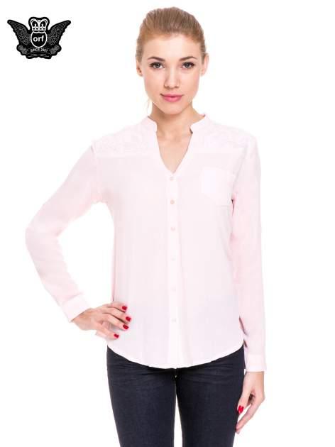 Różowa koszula damska z haftem na ramionach