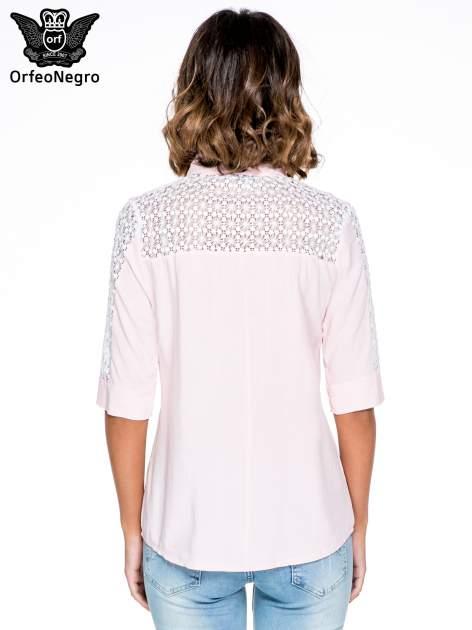 Różowa koszula z rękawem do łokcia i koronką                                  zdj.                                  2
