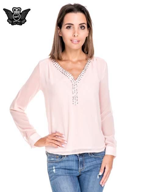 Różowa koszula z transparentnymi rękawami i dżetami przy dekolcie                                  zdj.                                  1