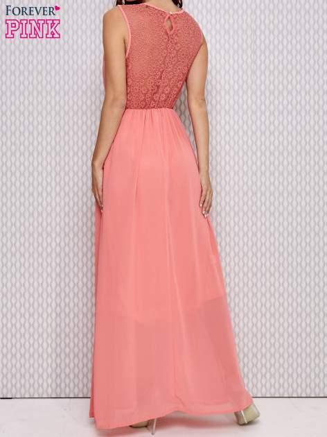 Różowa sukienka maxi z koronkowym tyłem                                  zdj.                                  4
