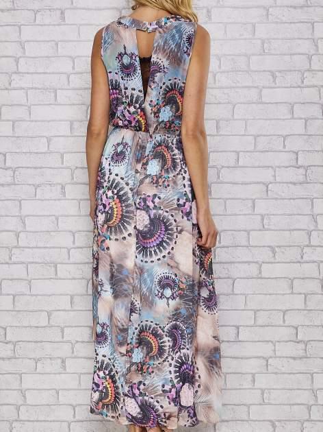 Różowa sukienka maxi z wycięciem na placach                                  zdj.                                  4