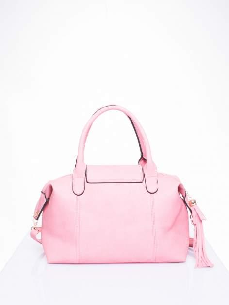 Różowa torba z klapką i odpinanym paskiem                                  zdj.                                  3