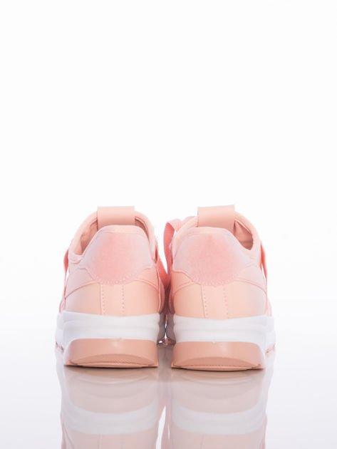 Różowe buty sportowe Rue Paris na sprężystej podeszwie z ozdobnymi napisami                              zdj.                              3