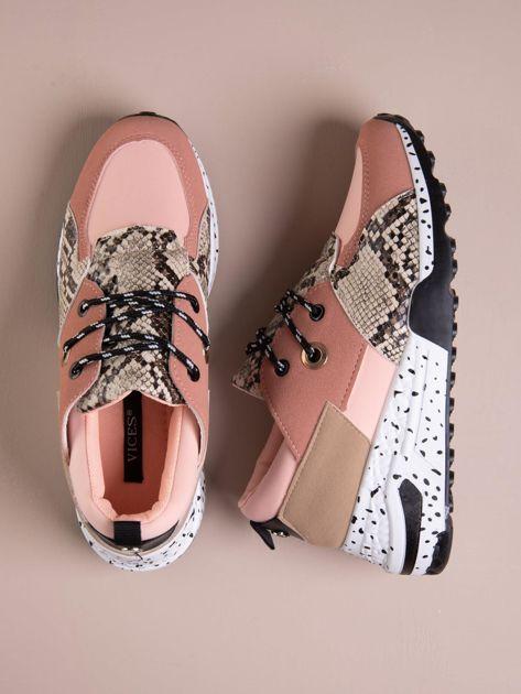 Różowe buty sportowe z wstawką w wężowy print                              zdj.                              1