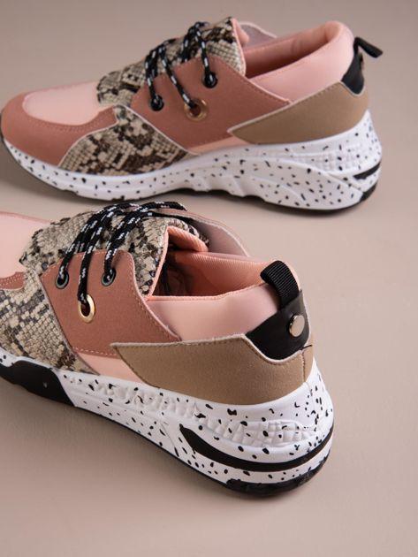 Różowe buty sportowe z wstawką w wężowy print                              zdj.                              4