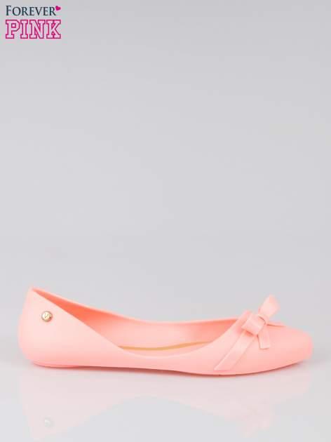 Różowe gumowe balerinki z kokardką
