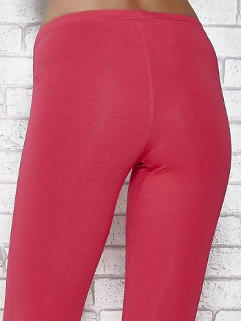 Różowe legginsy sportowe z dżetami i marszczoną nogawką za kolano                                  zdj.                                  5