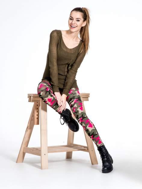 Różowe legginsy we wzór moro                                  zdj.                                  7