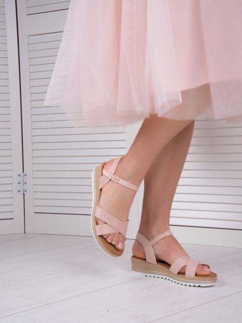Różowe sandały BELLO STAR na podwyższeniu z paskami na krzyż                              zdj.                              8